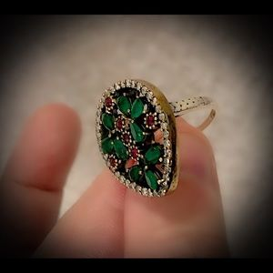 Vintage Jewelry - Green Earth Emerald Ruby Sterling Silver Ring 925
